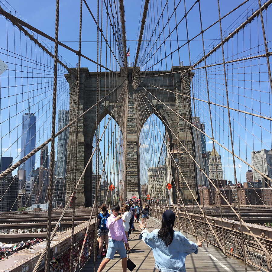 walking-across-brooklyn-bridge
